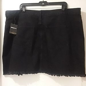 FOREVER 21 PLUS Skirts - FOREVER 21 PLUS NWT black zippered front/holes 20